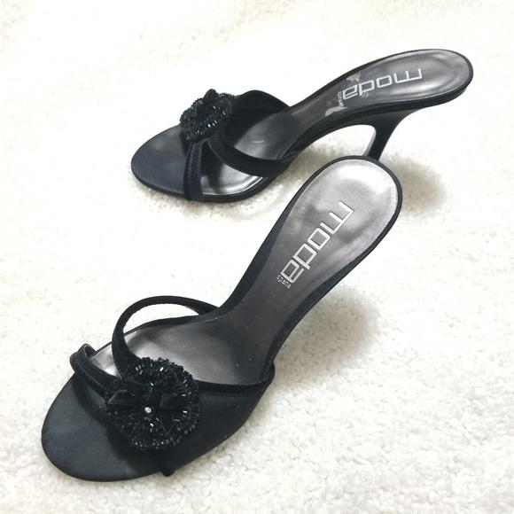 MoDa Black Flower Accent Sandal